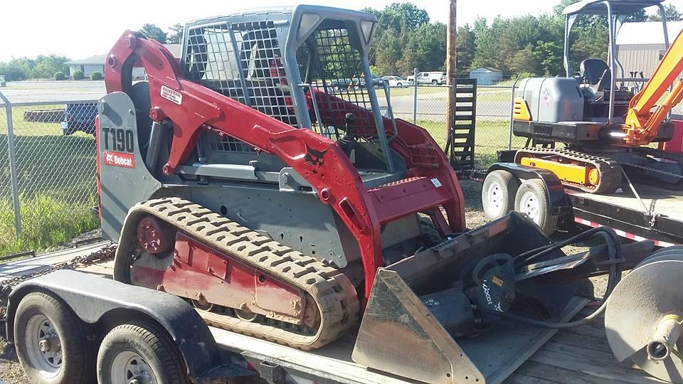Bobcat T190 Skid-Steer w/Rubber Tracks – Universal Rent It All